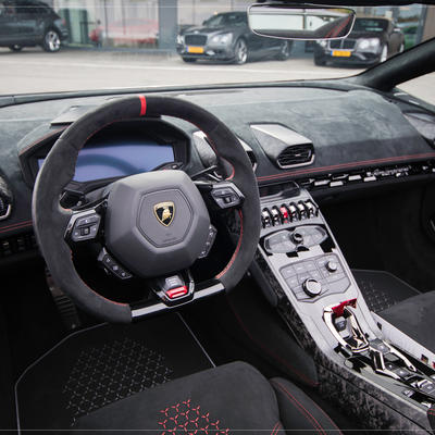 Huracan Performante Spyder by LOSCH Luxembourg